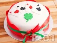 Рецепта Покер торта за късметлии със захарно тесто (фондан)